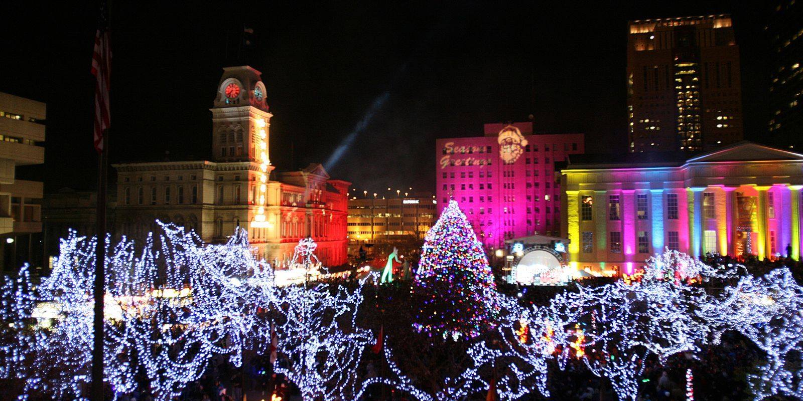 Holiday Lights Trolley Ride · Hosted by Trolley de 'Ville Fun Tours & Charters